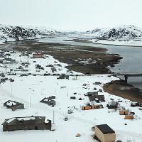 Khám phá ngôi làng phủ đầy tuyết trẳng ở vùng Bắc Cực