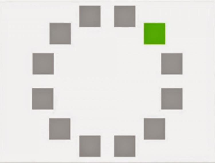 Hình vuông có màu khác.