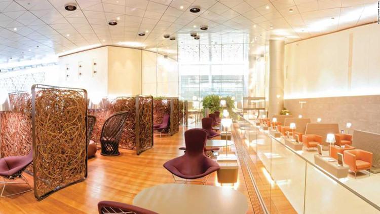 Phòng chờ hạng thương gia của Qatar Airways có diện tích 10.000 mét vuông