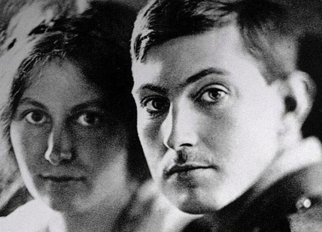 Huyền thoại leo núi ngưới Anh George Mallory và vợ - Ruth Mallory.