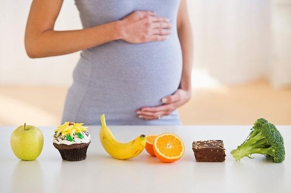 Có tới 50-90% phụ nữ mang thai có cảm giác thèm thuồng một thứ gì đó kỳ lạ