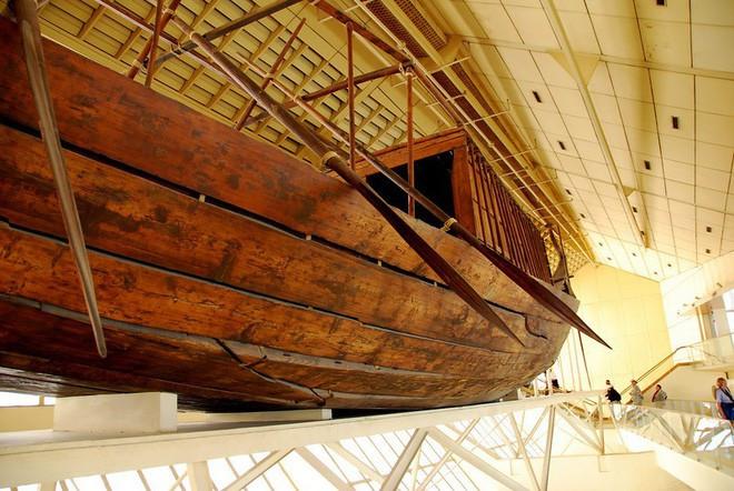 Tàu đóng bằng gỗ.