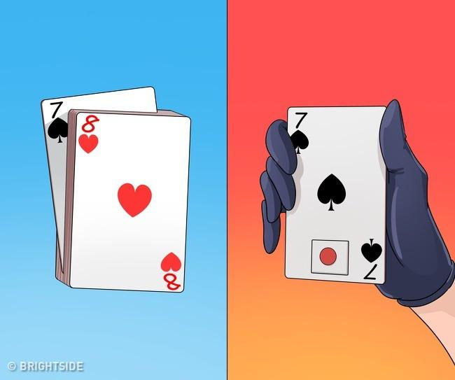Màn ảo thuật 1: Rút đúng lá bài khán giả đã chọn