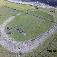 Bí ẩn lịch sử: Hé lộ thảm kịch đẫm máu 1.500 năm trước trên hòn đảo xinh đẹp