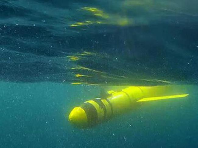 Một con robot thăm dò đang khám phá vùng nước chết tại Vịnh Oman thuộc UAE.
