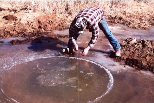 Vòng tròn kỳ lạ xuất hiện trên mặt đất gần trang trại Skinwalker.