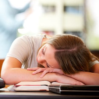 Ngủ ngày dễ làm bộ não bạn ghi nhớ các ký ức sai lệch