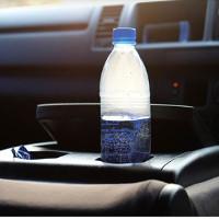 """Vị trí đặt chai nước """"Tử thần"""" trong xe ôtô mà rất nhiều người thường mắc phải"""