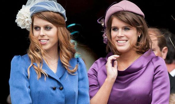 Hai công chúa Beatrice (trái) và Eugenie đều đã có việc làm toàn thời gian riêng.