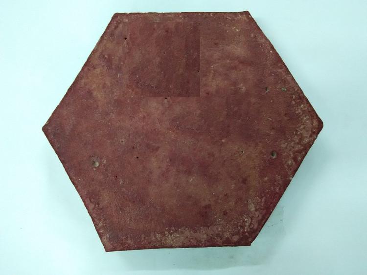 Gạch bê tông từ bột nhựa thải.