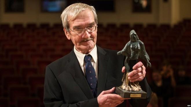 Ông Petrov nhận giải Dresden