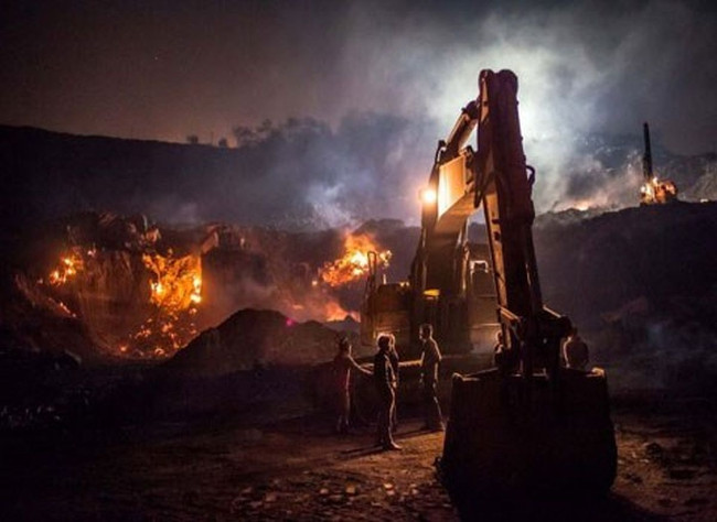 Những ngọn lửa ở cánh đồng than Jharia, Ấn Độ