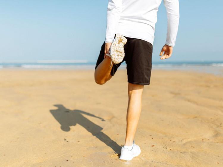 Phụ nữ có xu hướng đặc biệt bị thu hút bởi nam giới có đôi chân dài.