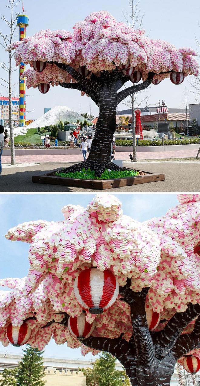 Cây hoa Anh Đào làm từ LEGO