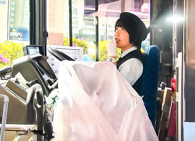 Tài xế xe bus đình công và cho khách đi xe miễn phí