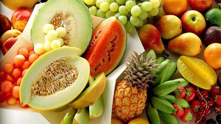 Mùa hè nên ăn nhiều trái cây tươi.