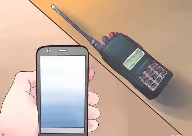 Luôn mang theo bên mình một chiếc điện thoại có pin sạc dự phòng