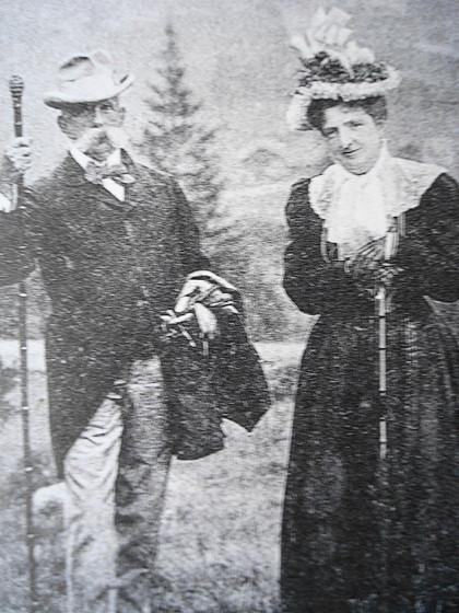 Vua Umberto cùng Hoàng hậu Margherita.