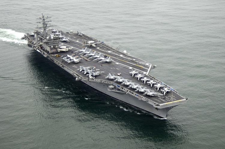 Tàu sân bay USS Nimitz.