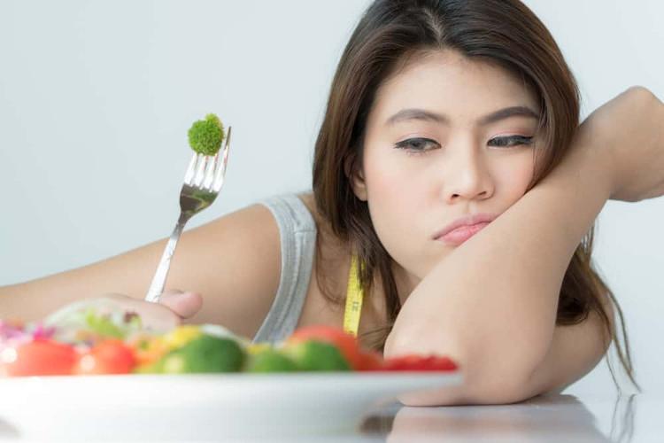 Ăn một mình khiến mọi người thấy mình không hạnh phúc, theo một nghiên cứu mới đây