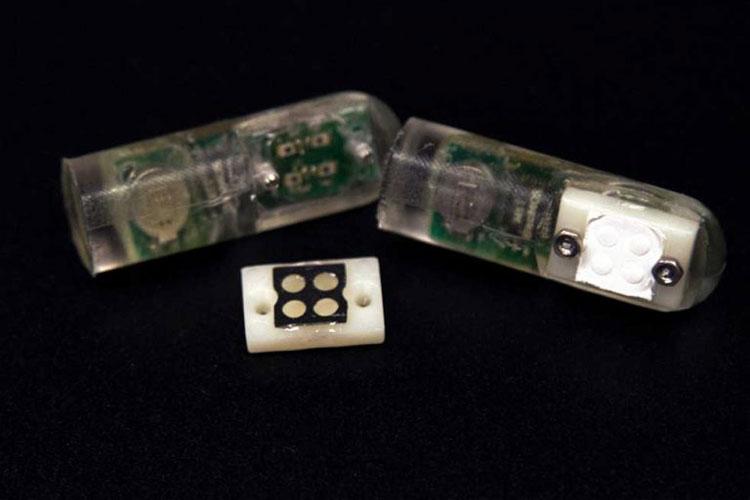Nhóm MIT đã phát triển được một con chip có thể biến phản ứng vi khuẩn thành tín hiệu không dây.