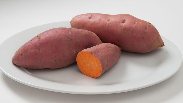 Khoai lang cam chứa rất nhiều vitamin A