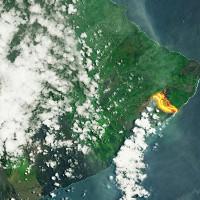 Núi lửa phun trào ở Hawaii, dung nham có thể được nhìn thấy từ ngoài vũ trụ