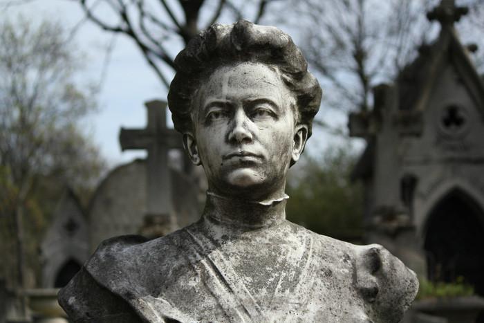 Sau khi mất, Marie Curie được vinh danh ở rất nhiều nơi trên thế giới