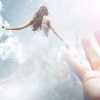 Bí ẩn cuộc sống sau cái chết: Người phụ nữ nhìn thấy tương lai và việc đầu thai