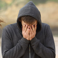 4 bước vượt qua nỗi buồn chia tay theo khoa học