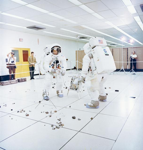 Phi hành gia sứ mệnh Apollo 12