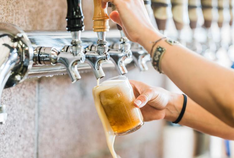 """PU:REST vừa được tung ra thị trường ã nhanh chóng được gọi là """"bia đồng nát"""" trên mạng xã hội."""