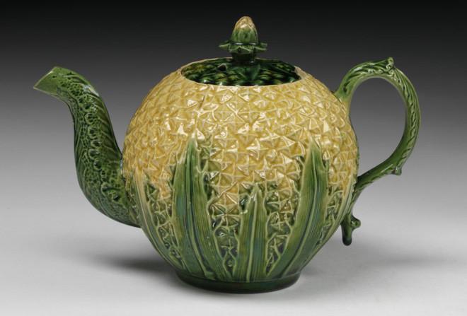 Bình trà quả dứa vào thế kỷ 18.