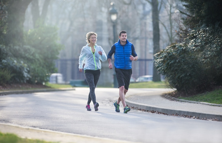 Đi bộ có thể giúp bảo vệ sức khỏe và kéo dài cuộc sống của chúng ta.