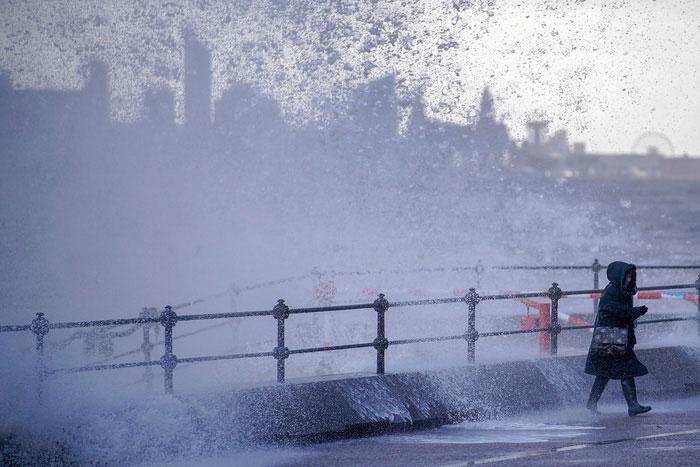 Mưa bão ngày càng trút nhiều nước xuống Mỹ