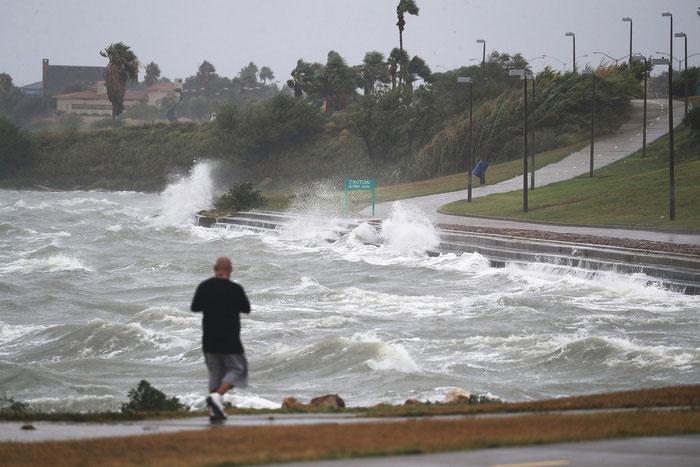 Cơn bão Harvey gây thiệt hại nặng nề cho các quốc gia Bắc Mỹ trong năm 2017