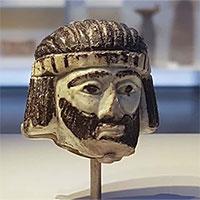 Tượng đầu người 3.000 năm khiến các nhà khảo cổ bối rối