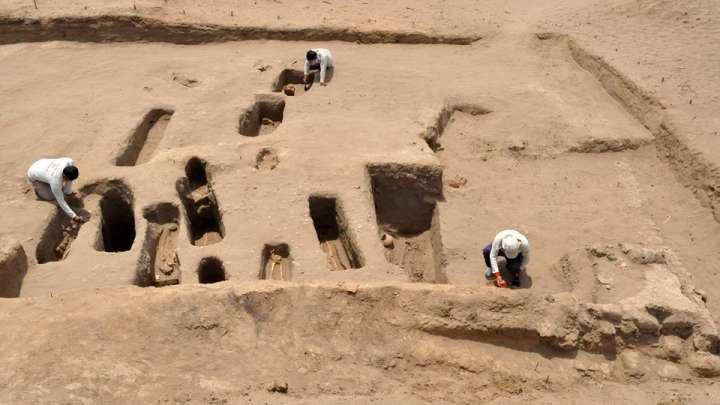 Nghĩa trang hiến tế khác với di cốt 140 trẻ em được khai quật gần đó hồi tháng 4