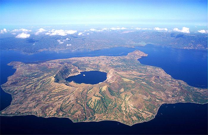 Núi lửa Taal ở Philippines