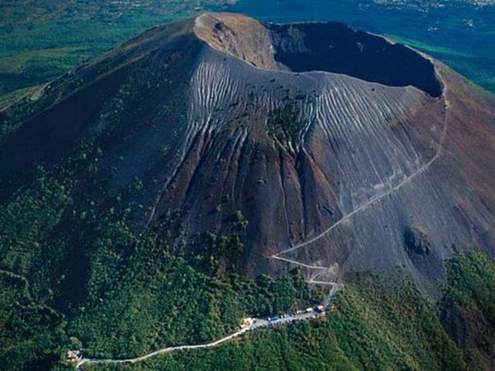 Núi lửa Vesuvius, Ý