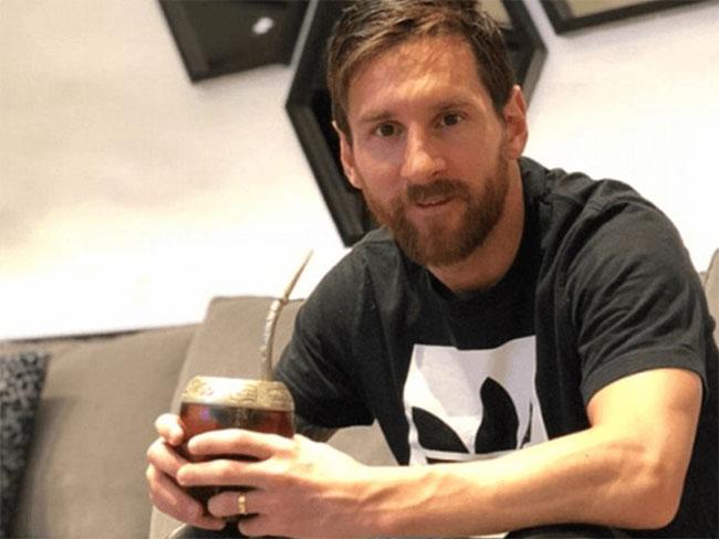 Messi uống trà mate khi ở nhà.