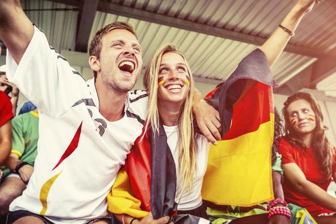 Tinh thần dân tộc đã nảy sinh, giúp các fan đoàn kết và cuồng nhiệt hơn.