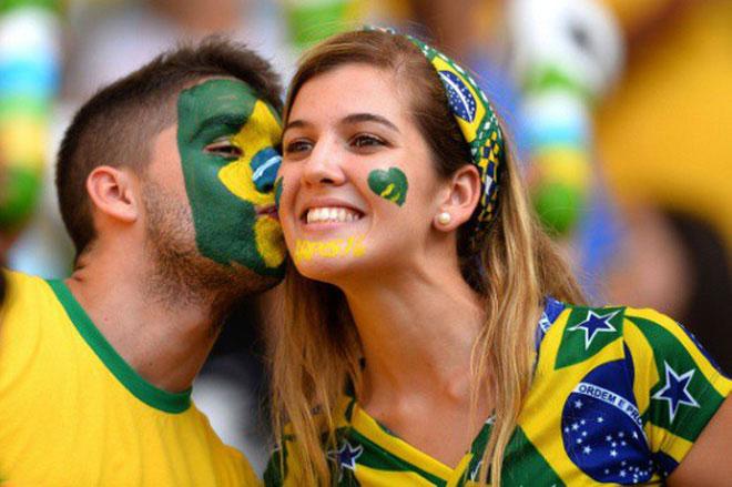 Họ yêu nhau nhờ cùng yêu bóng đá?