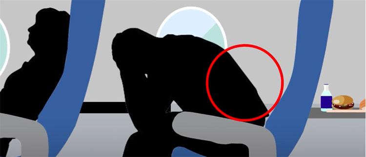 Cột sống lưng sẽ phải chịu áp lực lớn nếu như bạn ngồi trong thời gian dài mà không có gối kê sau lưng.