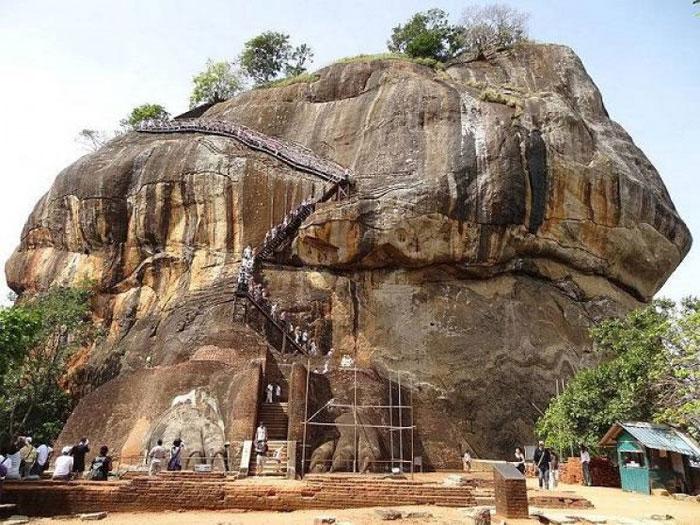 Sigiriya: Thành phố nằm trên đỉnh của một phiến đá lớn