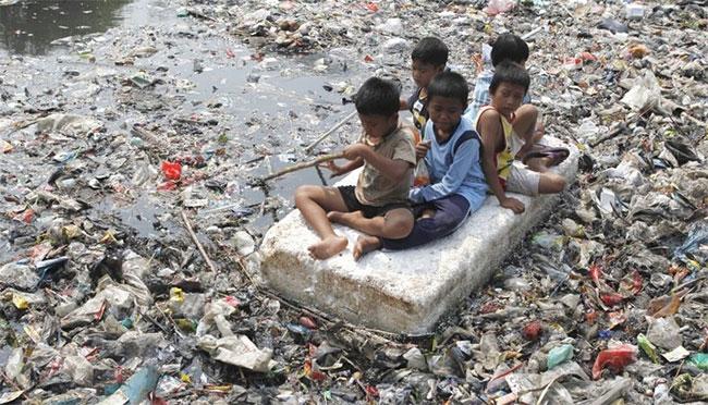 Chính sách của Trung Quốc khiến các nhà xuất khẩu rác thải nhựa khác chao đảo.