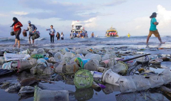 Các quốc gia cần phải học cách quản lý và tái chế chất thải tốt hơn.