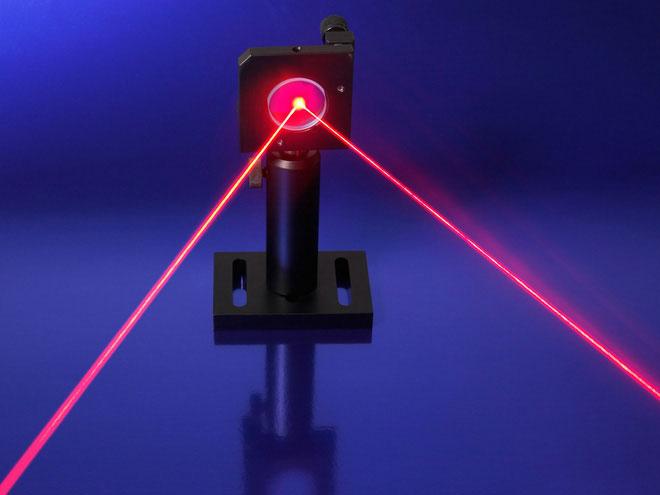 Hướng và cường độ dòng điện có thể được điều khiển bằng những hình dạng tia laser khác nhau.