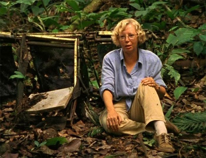 Năm 1980, Juliane Koepcke trở lại thăm nơi máy bay rơi.