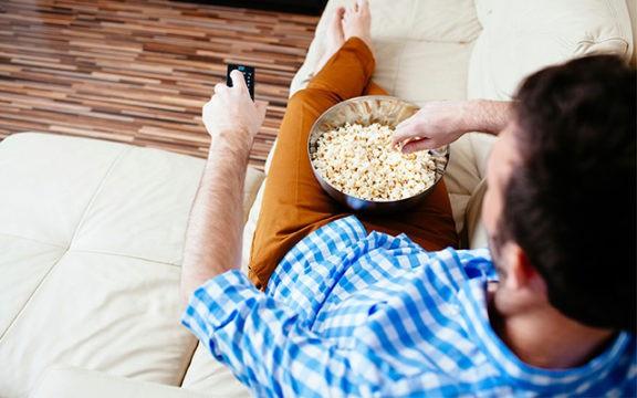 Ăn vặt khiến bạn giảm khả năng đốt mỡ thừa.